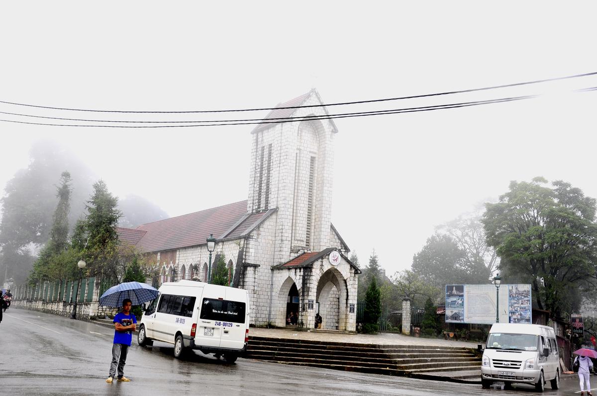 Âm thanh Nhà thờ cổ trong lòng phố núi Sa Pa